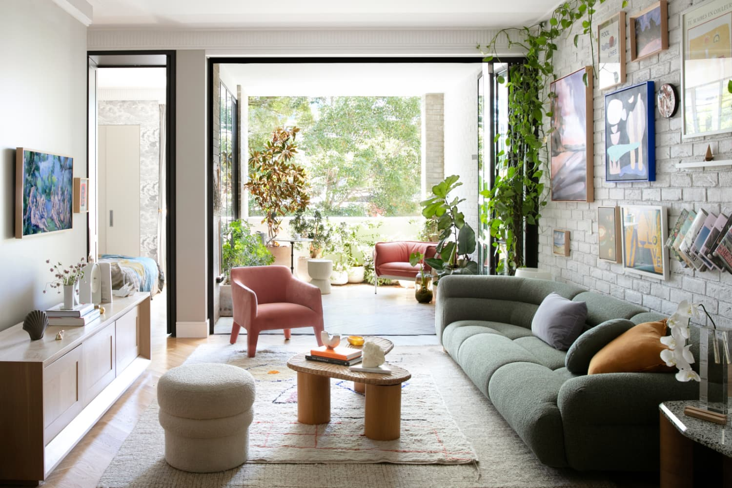 A Stylist's Chic Australian Apartment Has an Epic and Inspiring Art Gallery Wall