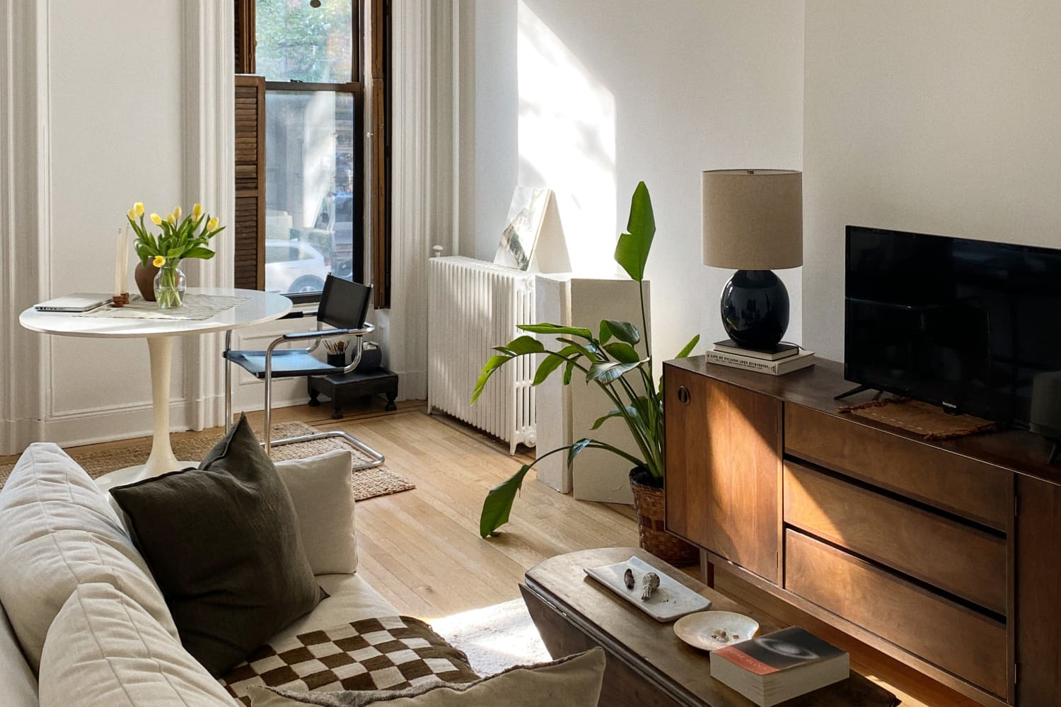 A Quintessential Brooklyn Brownstone Shows How Neutrals Make a Tranquil Home