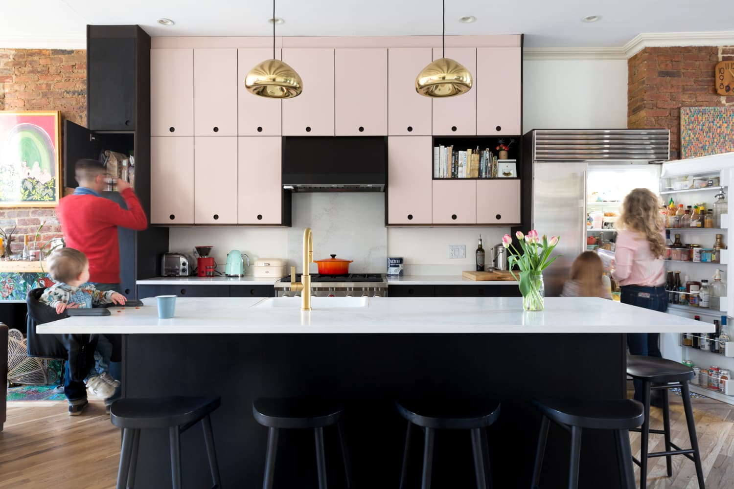4 Kitchen Decluttering Tips Professional Organizers Would Never Tell You for Free