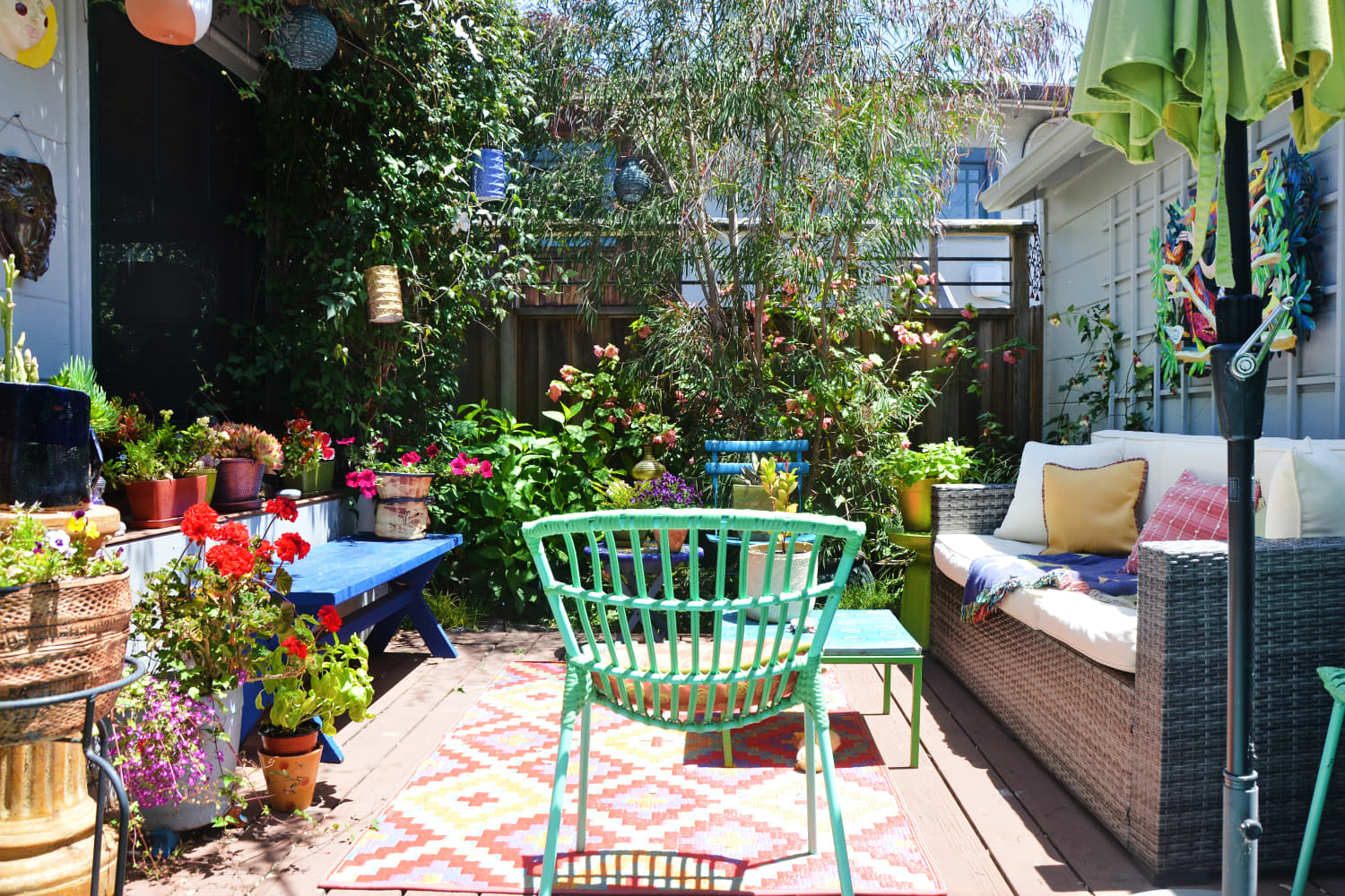 The Best Paint Colors for Outdoor Furniture, According to Real Estate Agents