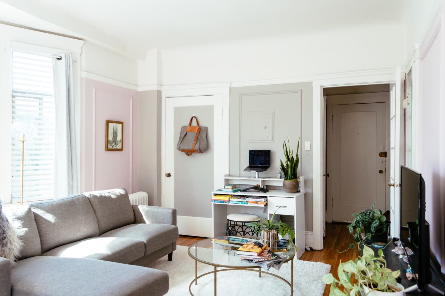 The Coffee Table Style That Makes a Room Feel Bigger, According to Real Estate Pros