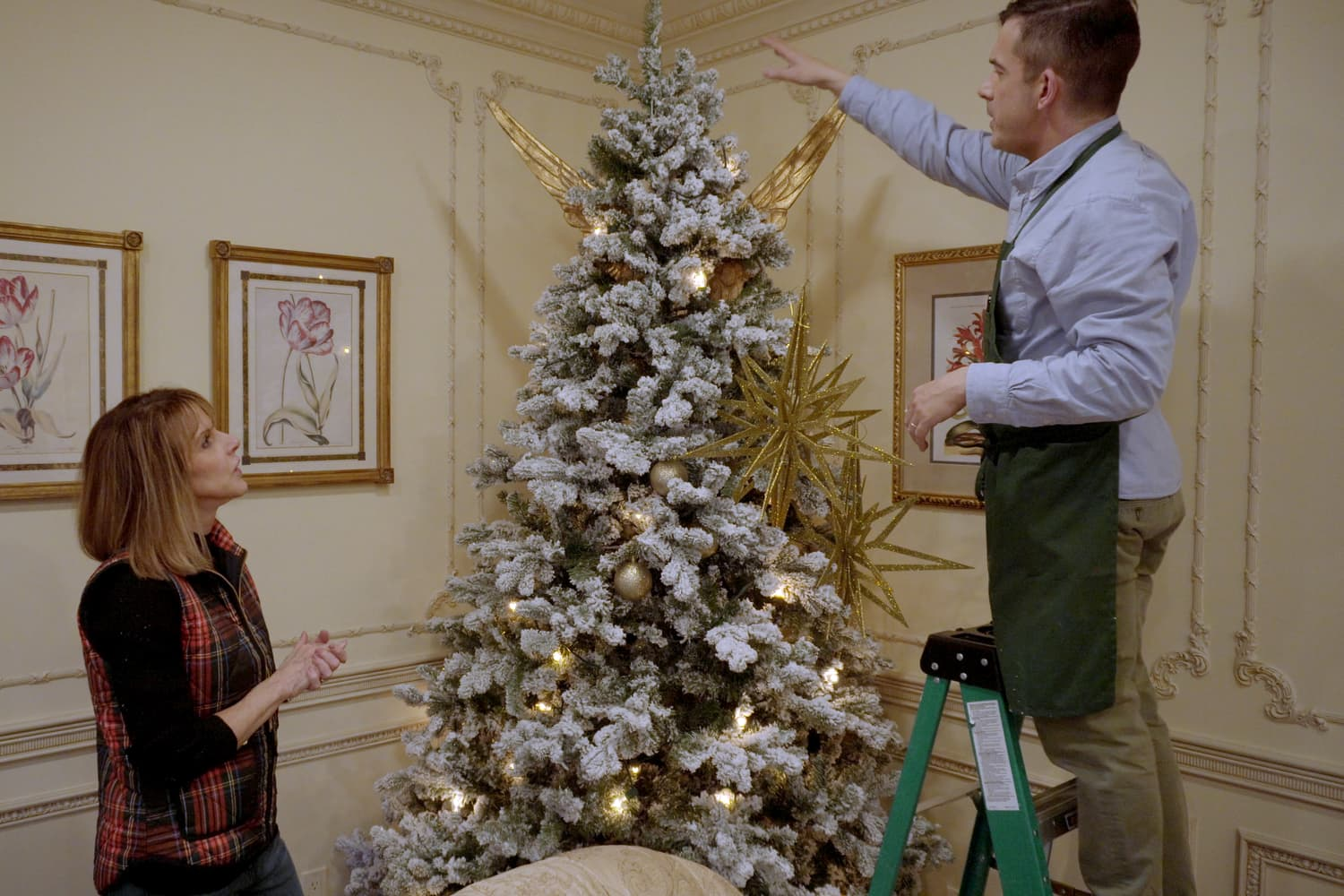Mr. Christmas On the Best (Untraditional) Color For Your Tree, Plus 5 Other Holiday Decorating Ideas
