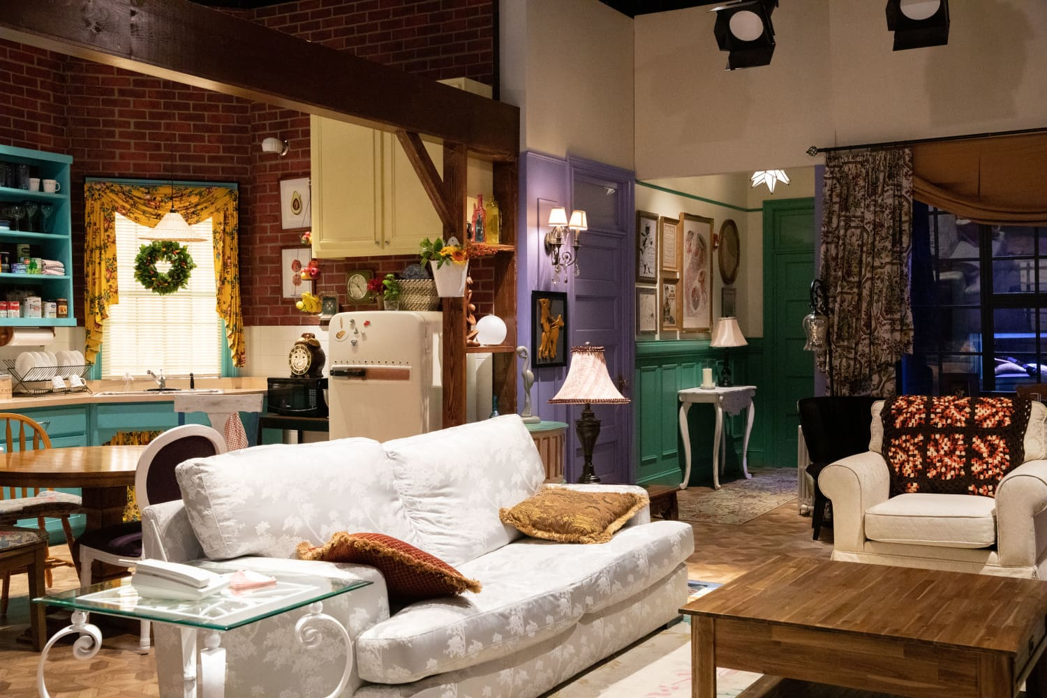 """You Could Spend the Night in This """"Friends""""-Styled Apartment for Under $20"""