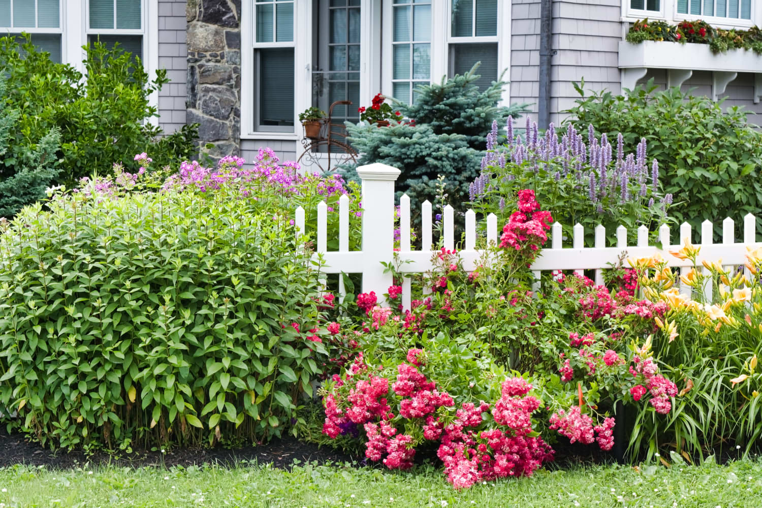 5 Little Landscaping Maneuvers That Can Increase Your Home's Value by Thousands
