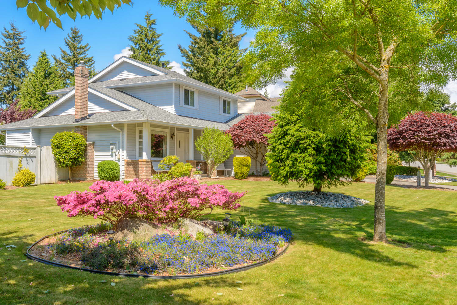 The Plants Real Estate Agents Wish You'd Stop Putting in Your Yard
