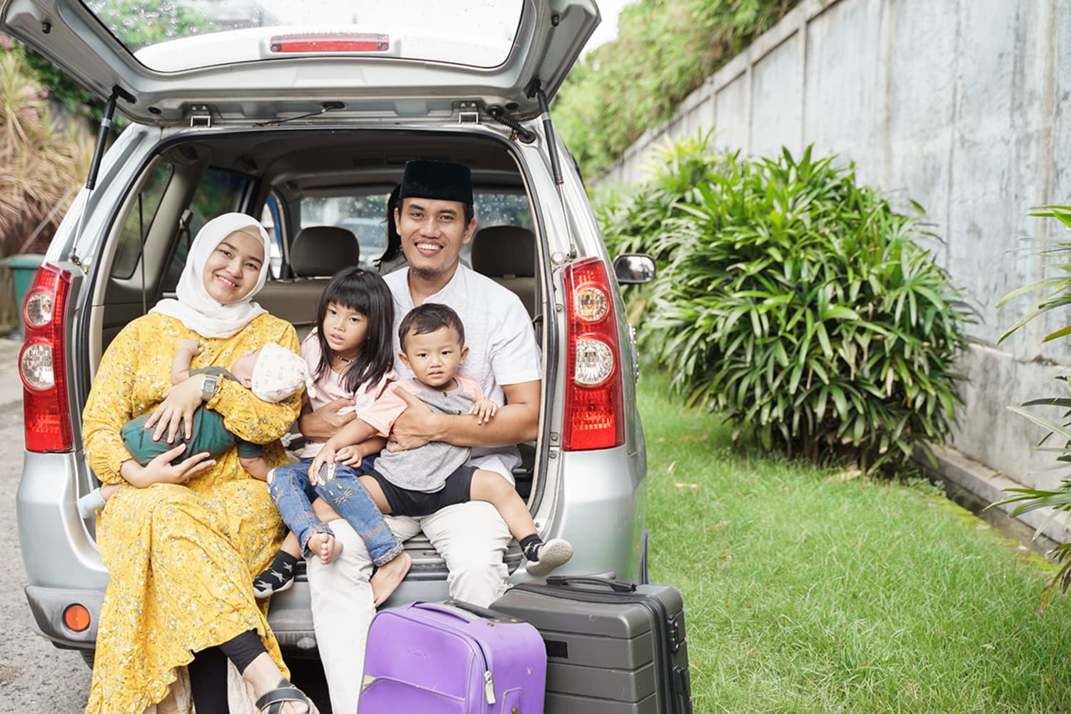 Is the Family Car a Disaster? Try These Tips Before Your Next Road Trip.