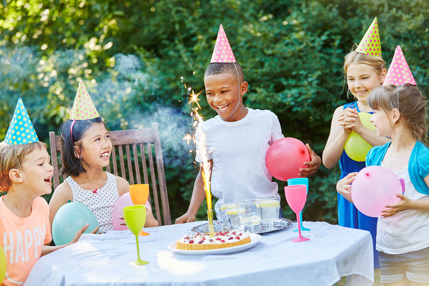 5 Easy and Inexpensive Ways to Incorporate Kids' Birthday Themes into a Party