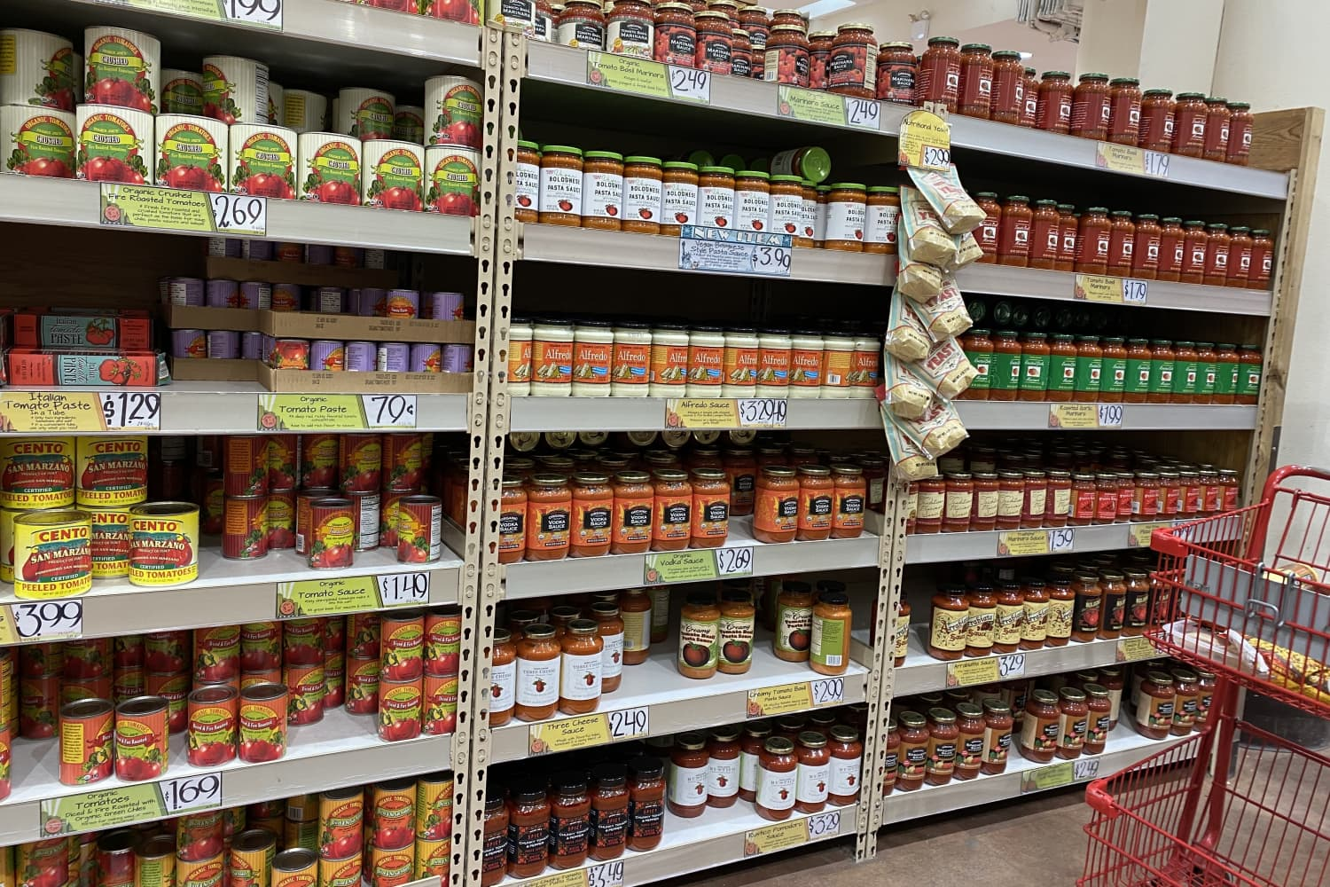 I Tried Every Single Jarred Pasta Sauce at Trader Joe's — These Are the Ones I'll Buy Again