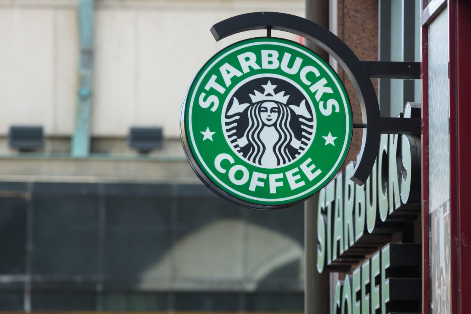Starbucks Is Launching a Borrow-A-Cup Program to Reduce Waste