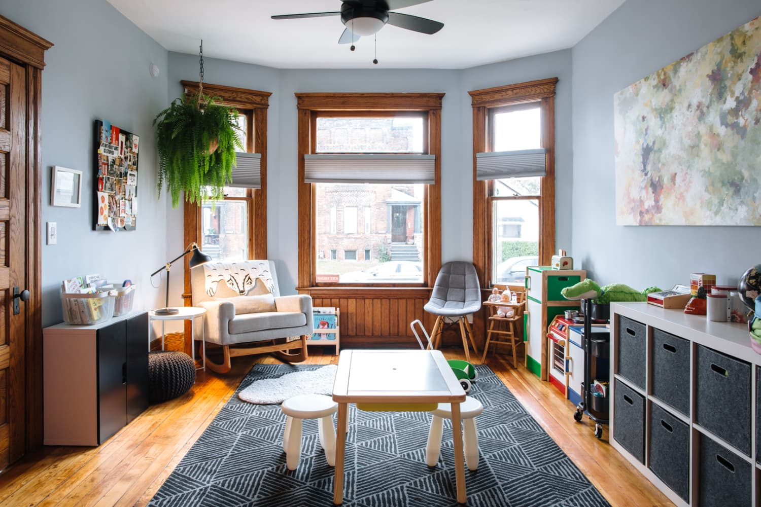 """The """"10 Things"""" Rule Keeps My House Uncluttered, Even with a Family of Six"""