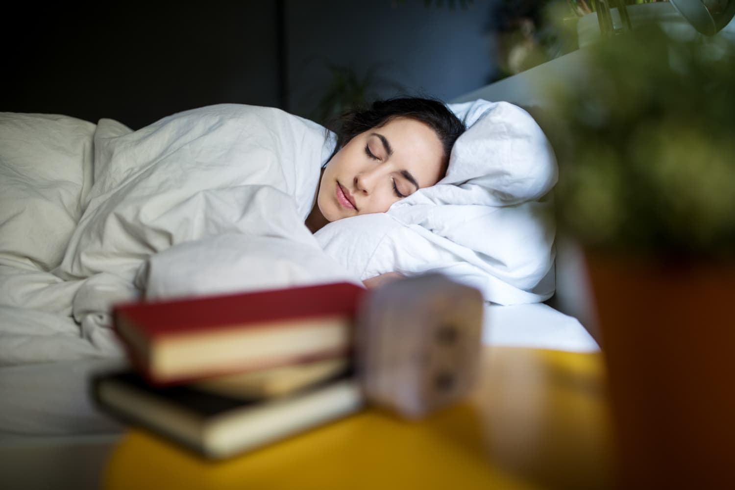 8 Genius Sleep Ideas That Mental Health Pros Give Their Most Anxious Patients