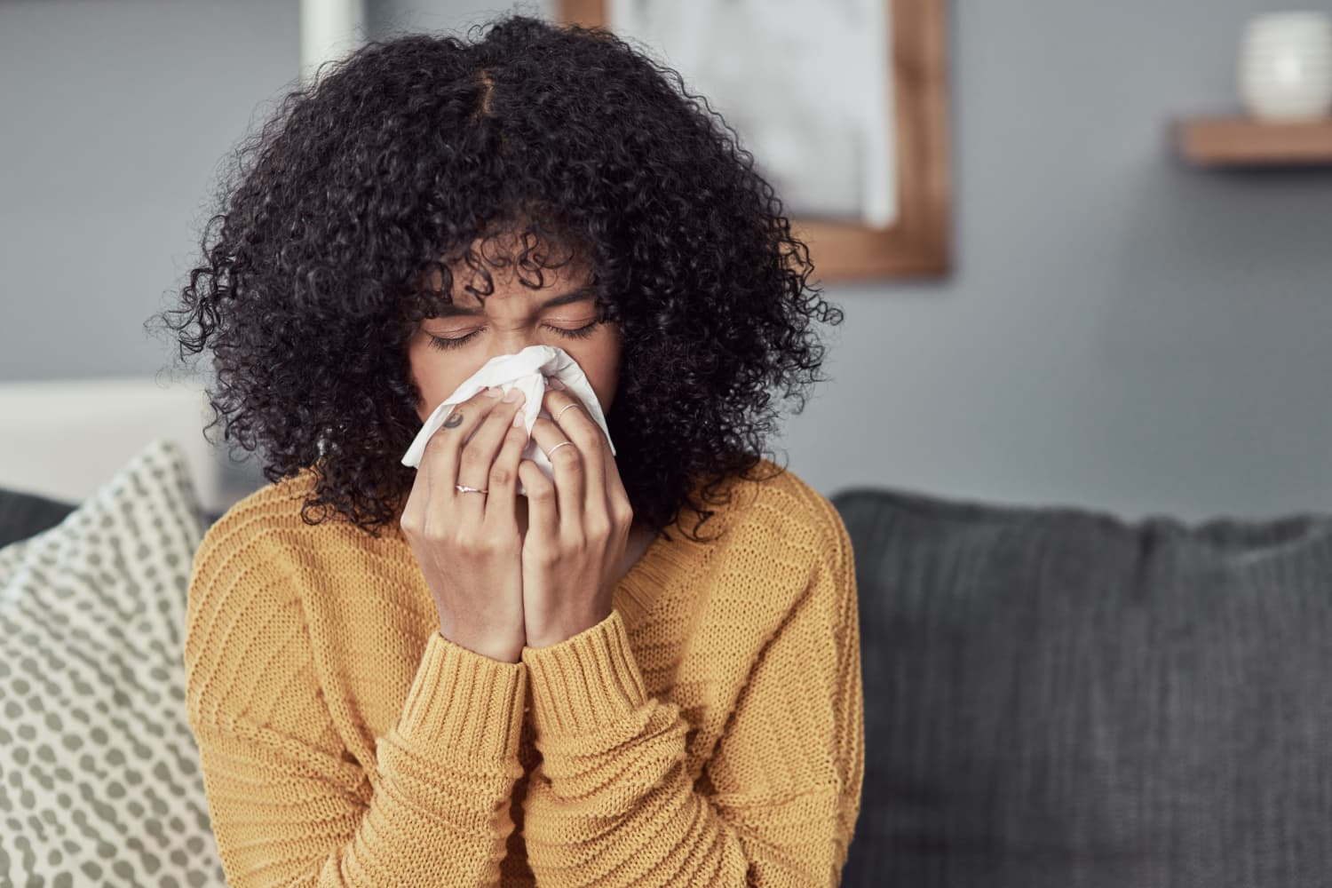 9 Easy Home Tips and Hacks for People Who Can't Stop Sneezing Inside