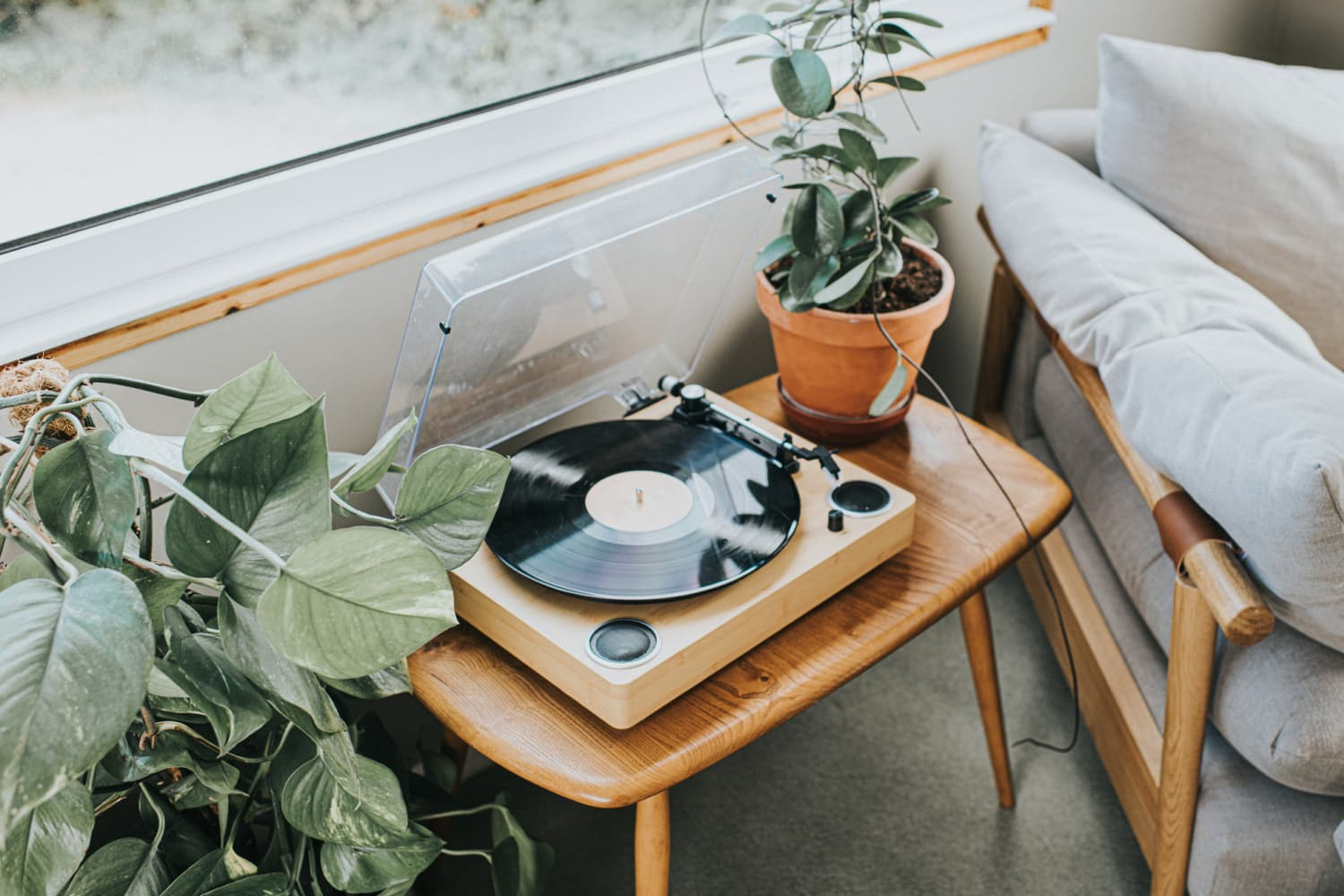How to Match Your Candle to the Music You're Listening to Right Now