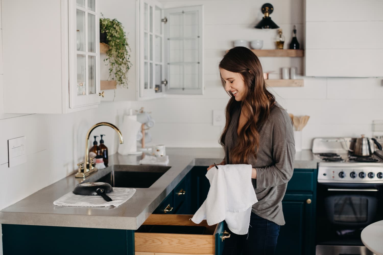 4 Cheap Kitchen Cabinet Upgrades Home Stagers Swear By