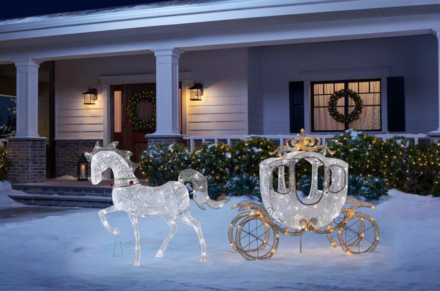 This Sparkling Carriage Will Make Your House Feel Like Disneyland This Holiday Season