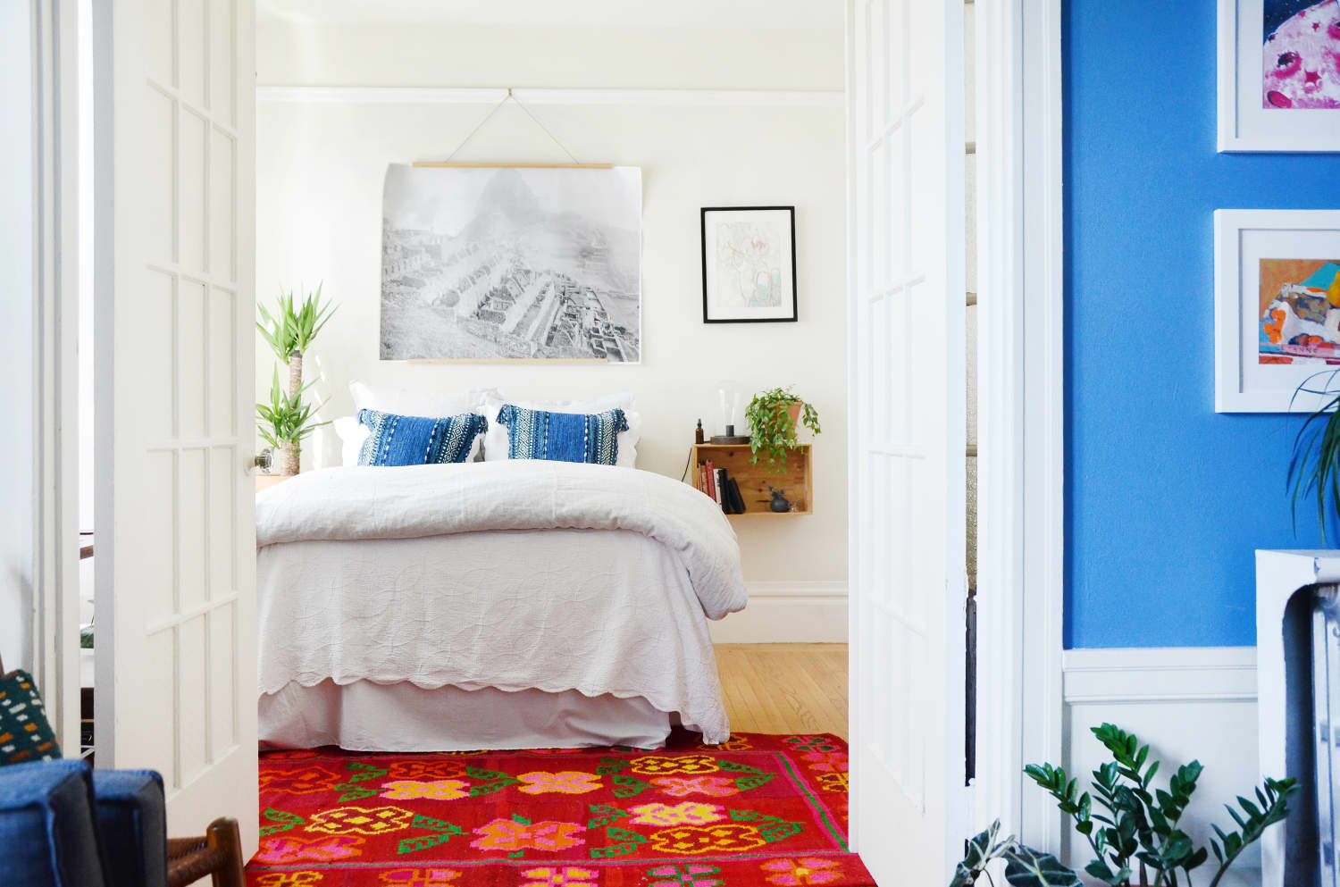 This $0 Decorating Idea Is the Easiest Ever Way to Fill a Bare Bedroom Wall