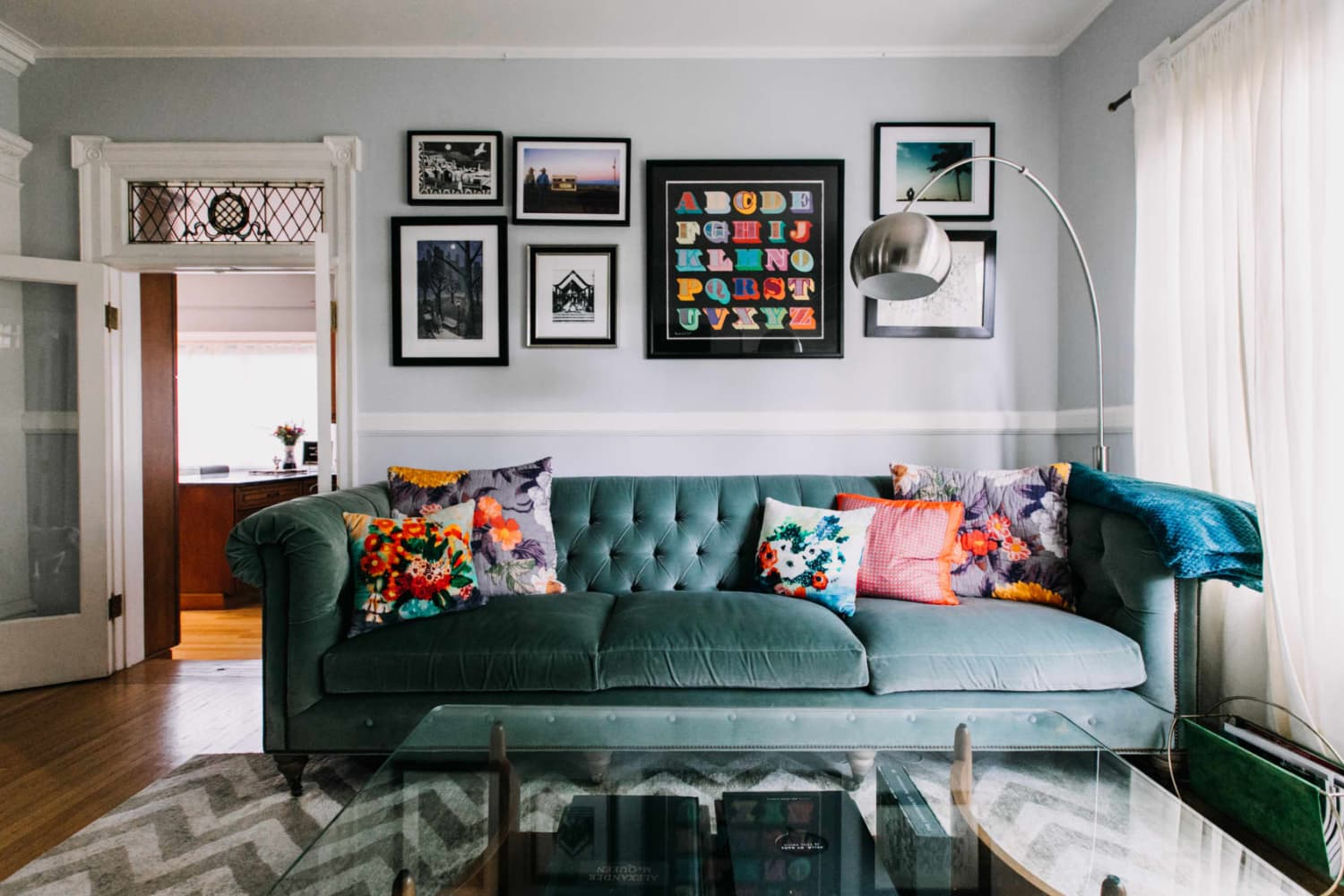 7 Ways to Judge the Quality of a Living Room Sofa Before You Buy It, According to Experts