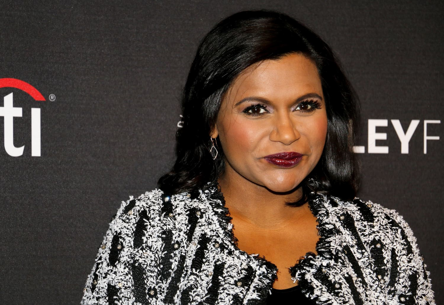 Mindy Kaling's Dining Room Rug Looks So Chic and Cozy