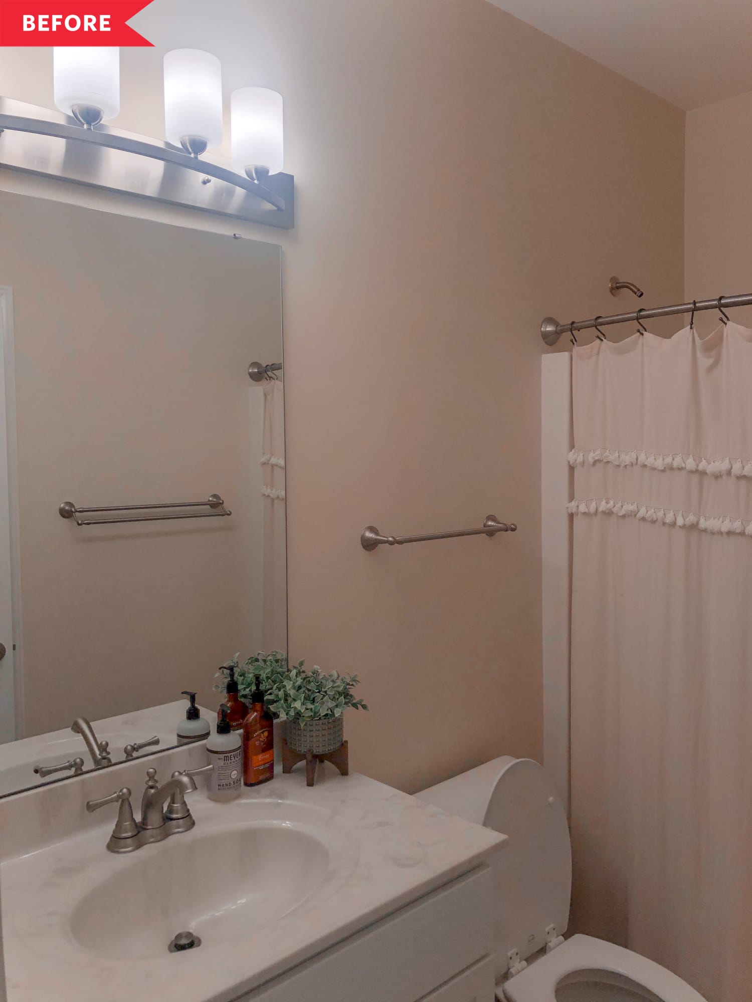 Before and After: This Boho-Happy Bathroom Redo Shows How Far $160 Can Go