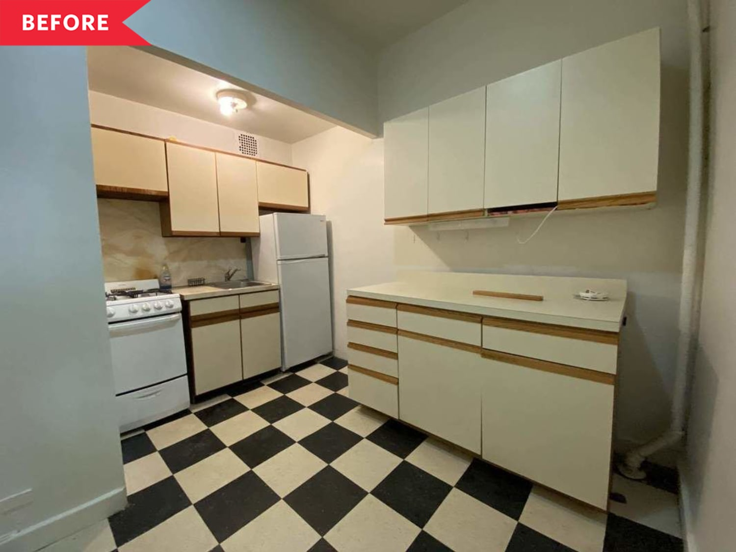 Before and After: A $250 Update Perks up This Drab 1980s Kitchen