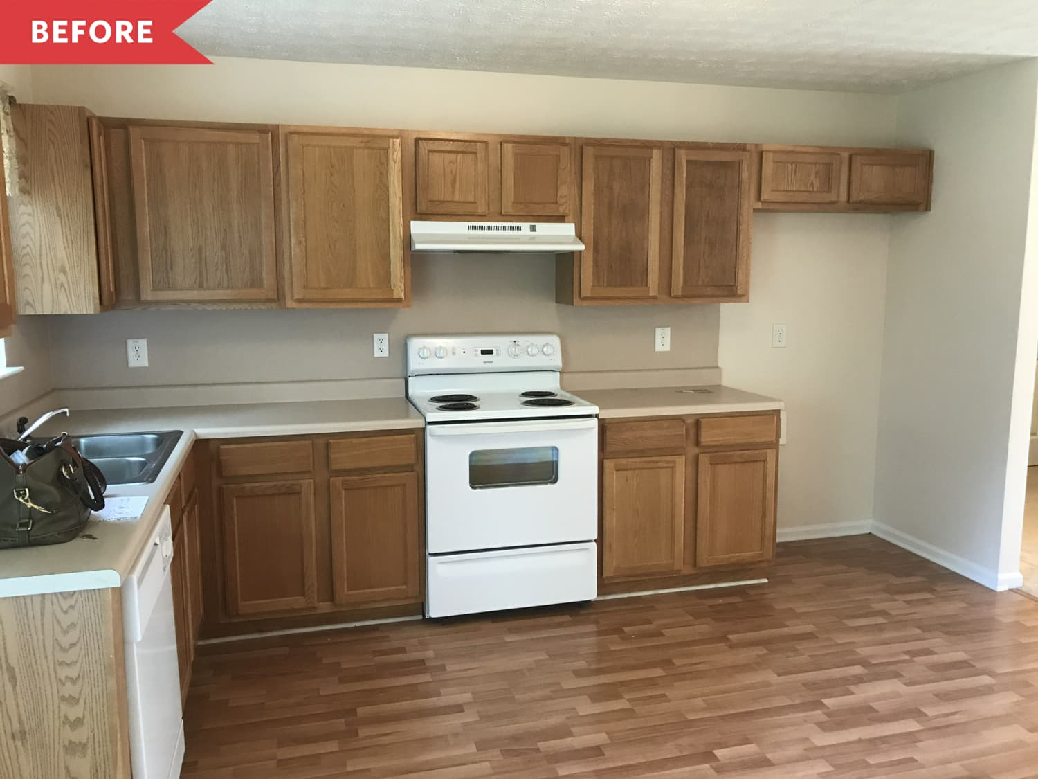 Before and After: $3000 Later, This Brown Builder-Grade Kitchen Is Unrecognizable