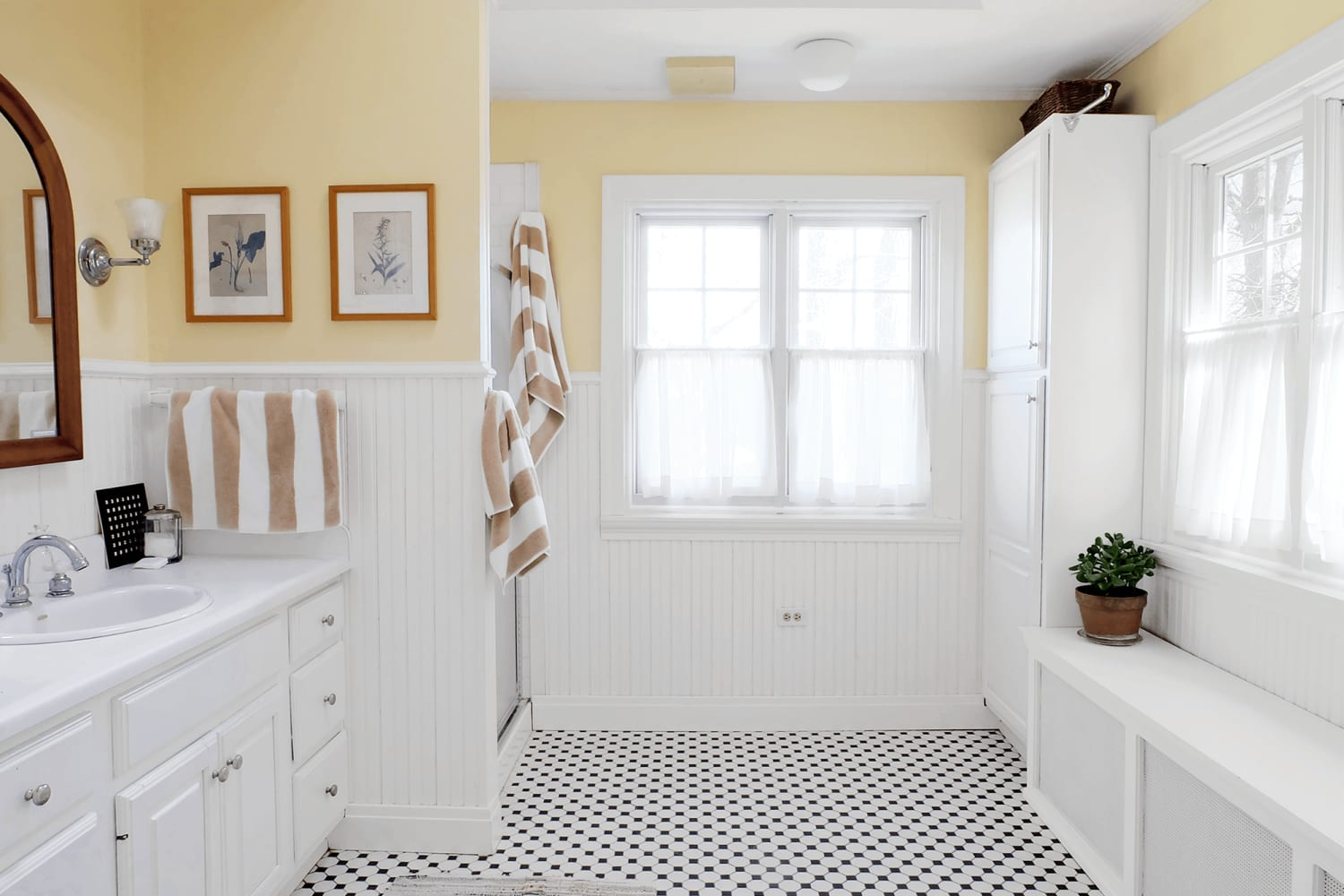 9 Ways to Double Your Shower Storage for $25 Or Less