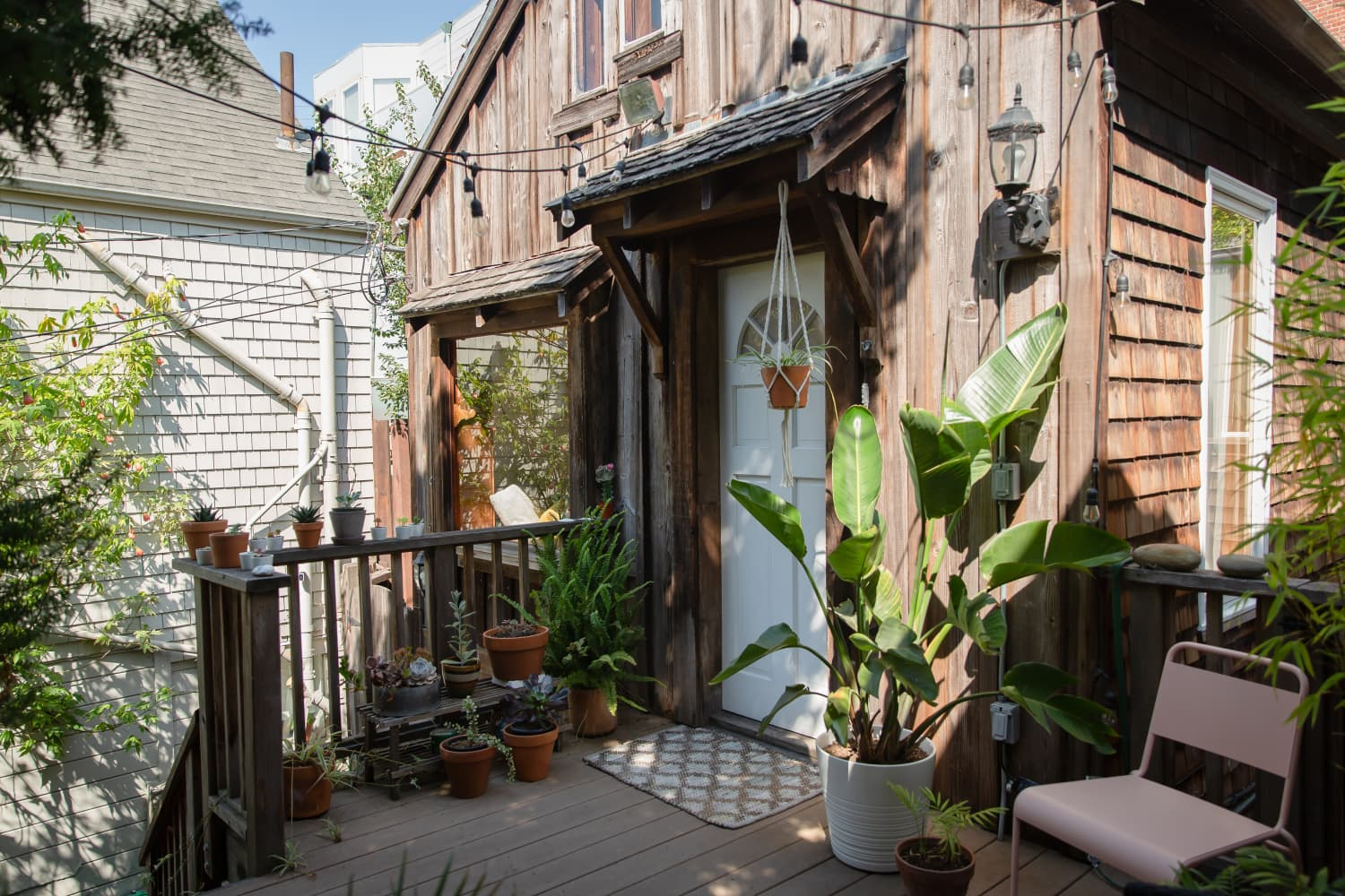 This Small San Francisco Cottage Has the Dreamiest, Woodiest Bathroom