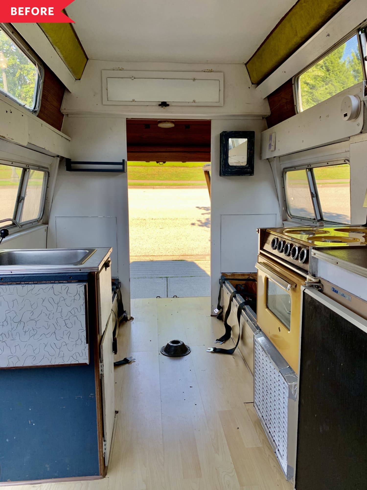 Before & After: Two Students Renovated a 1975 Van to Live, Travel, and Study In