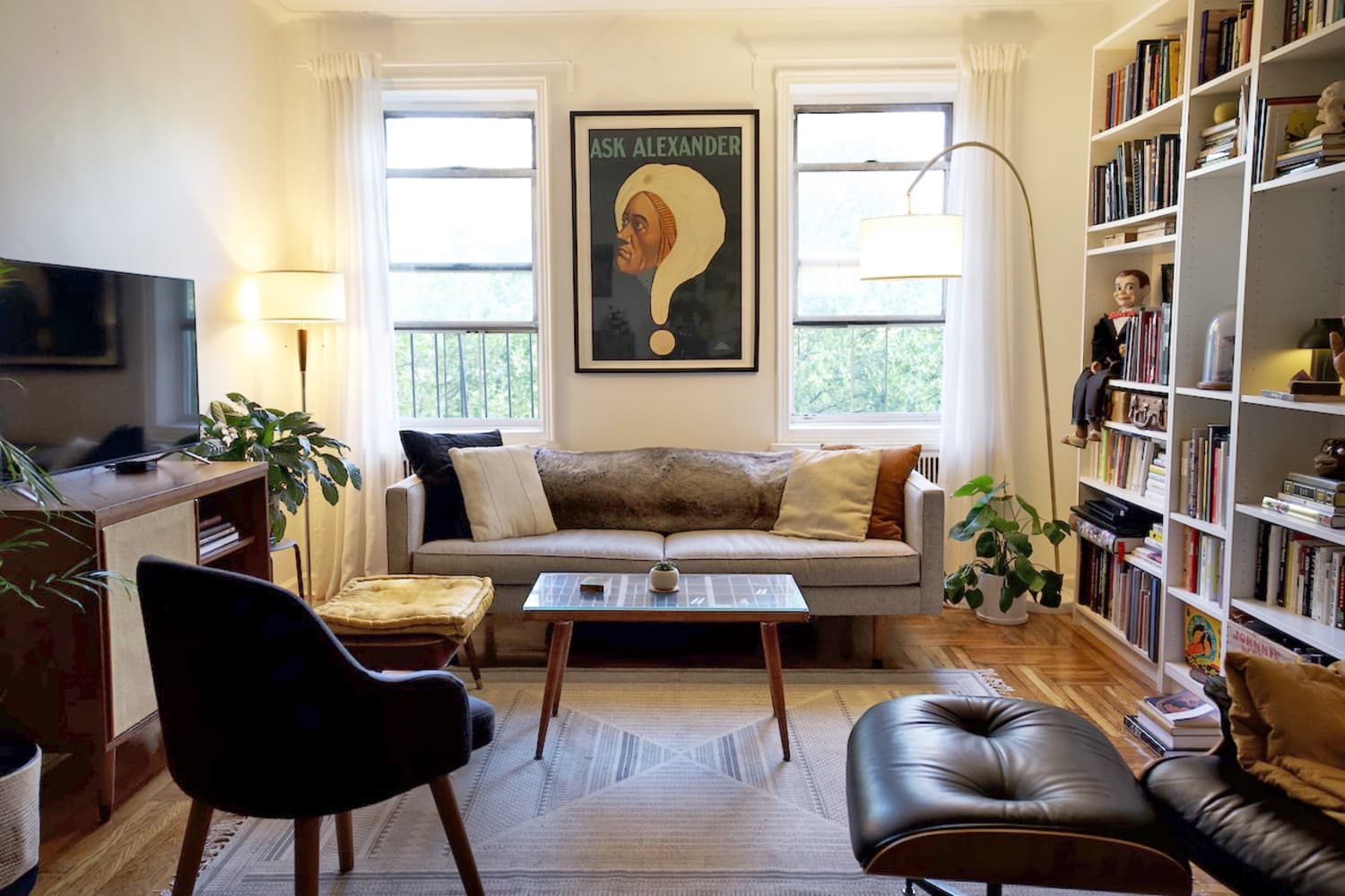 This Mentalist's Small Brooklyn Studio Apartment Is a 'Curated Mind Museum'