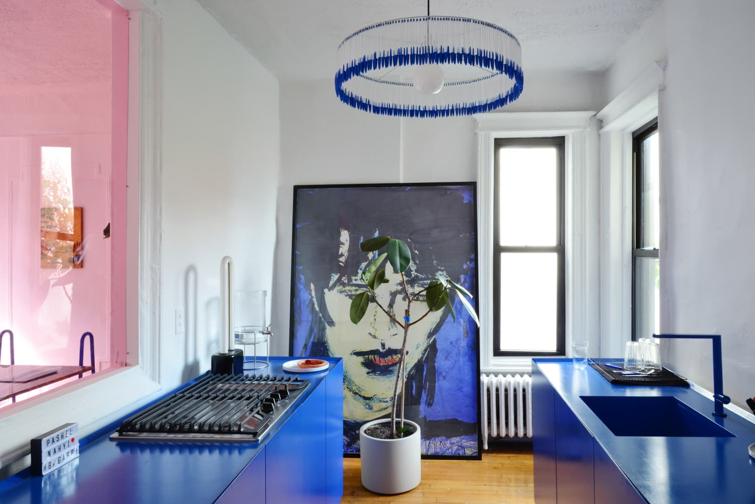 Here's What You Should Know Before You Buy Oversized Wall Art