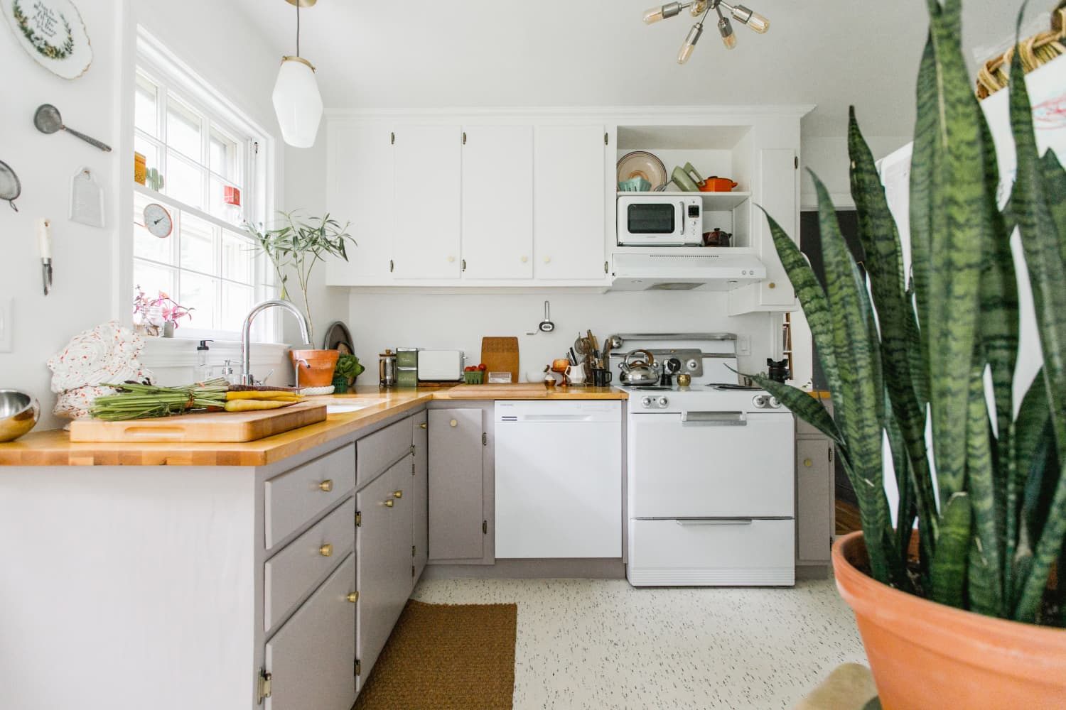 8 Kitchen Organizing Mistakes You're Probably Making (and How to Fix Them)