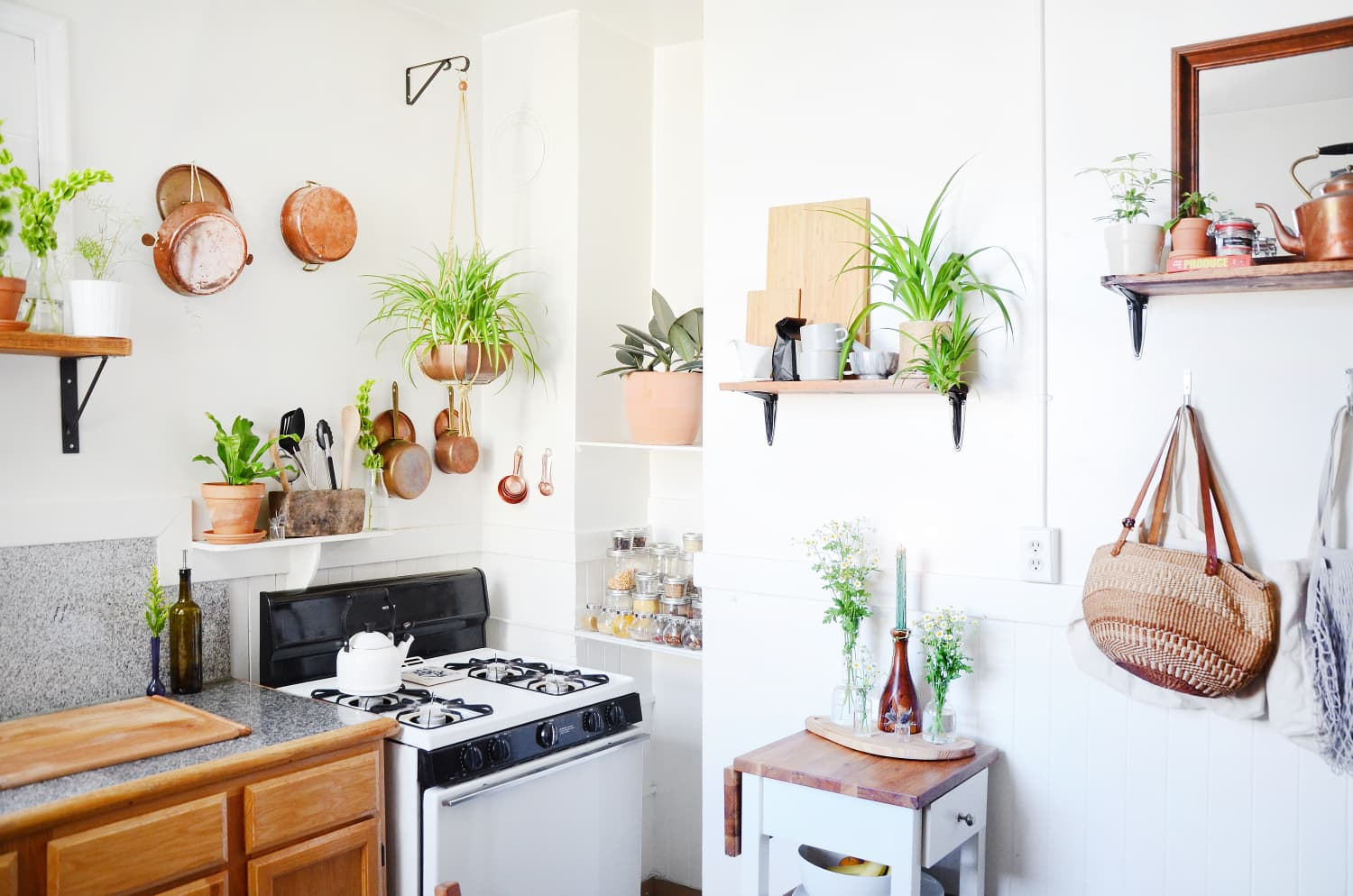 Here's a Game Plan for Decluttering Your Kitchen in 20 Minutes