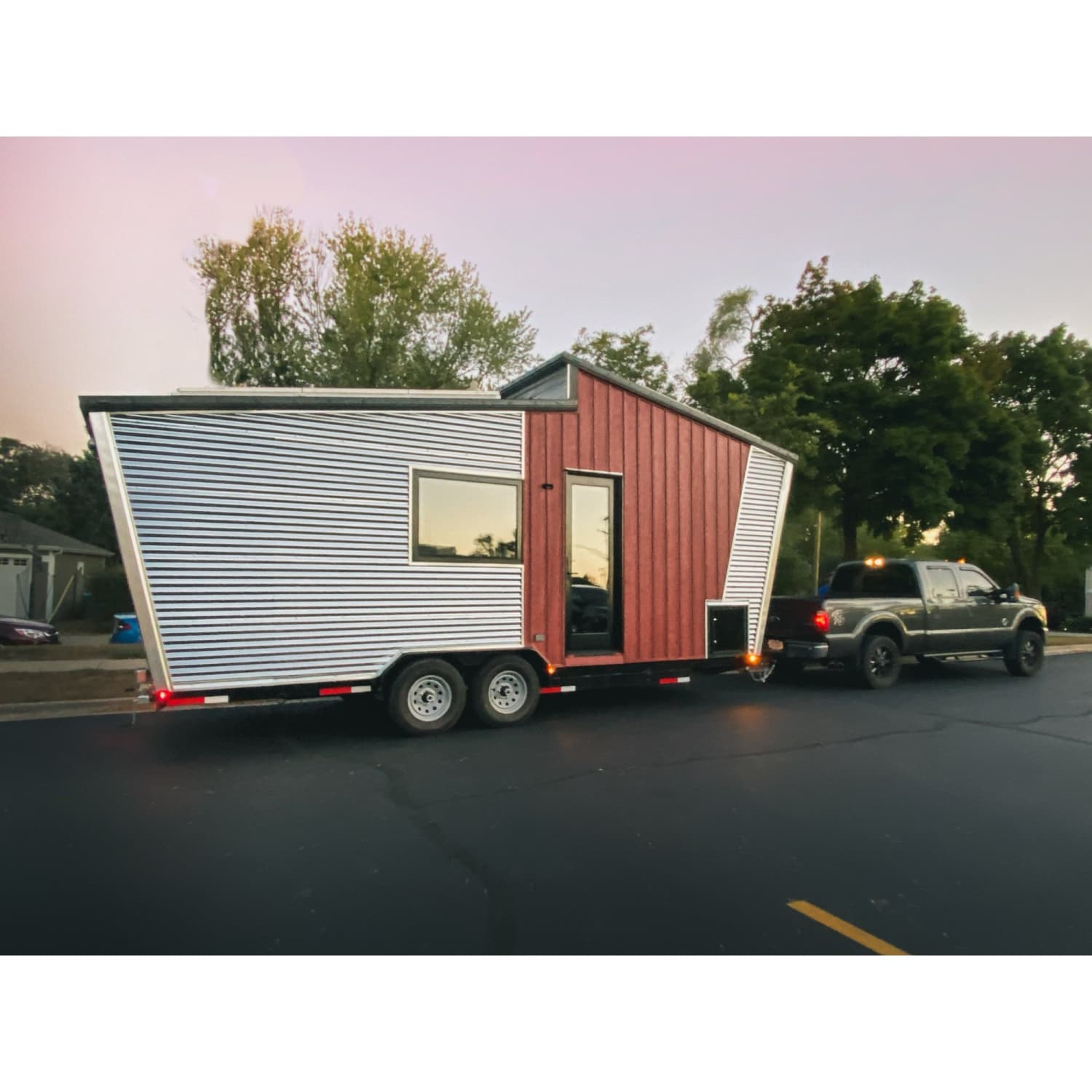 This 195-Square-Foot Tiny Home on Wheels is Powered by the Sun