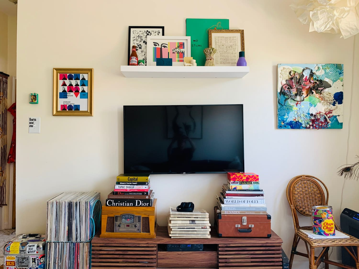 This $18 Hack Helped Me Fake Wall Color When I Couldn't Paint My Living Room