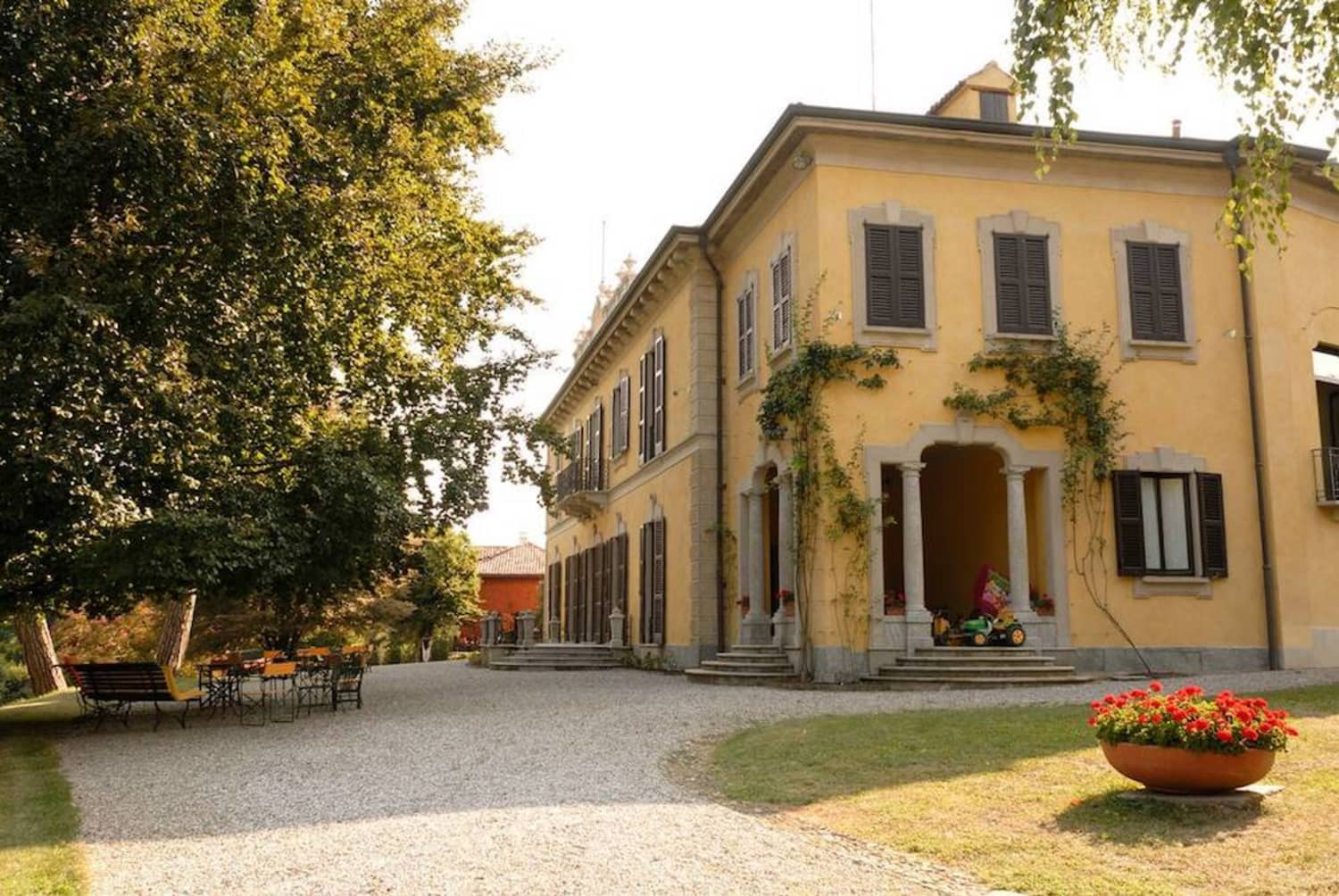 An 18th Century Italian Villa Fit For Royalty is on Airbnb