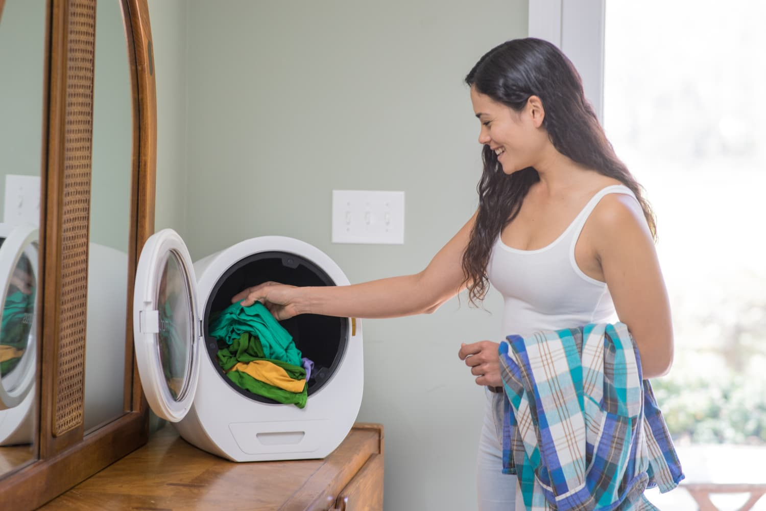 This Countertop Dryer Dries Your Laundry in Just 15 Minutes