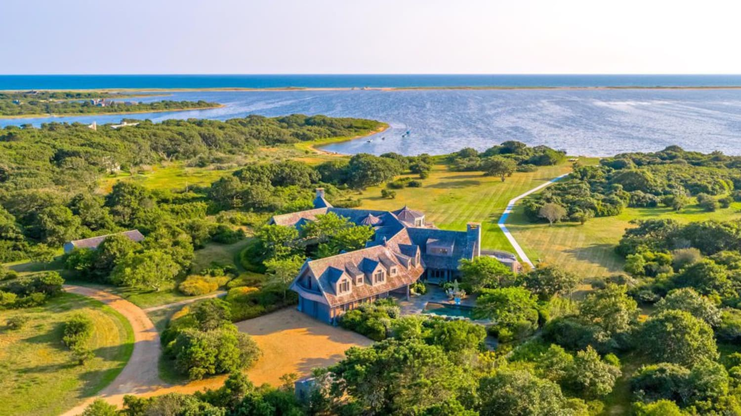 The Obamas Are Reportedly Buying This Vacation Home on Martha's Vineyard