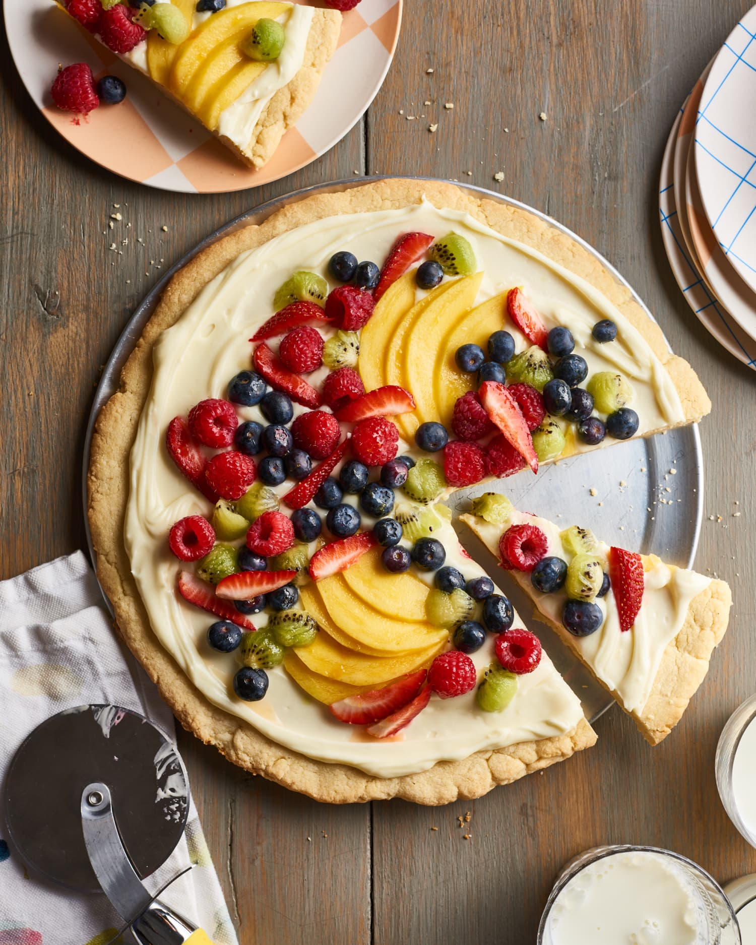 How To Make an Easy Fruit Pizza with Sugar Cookie Crust