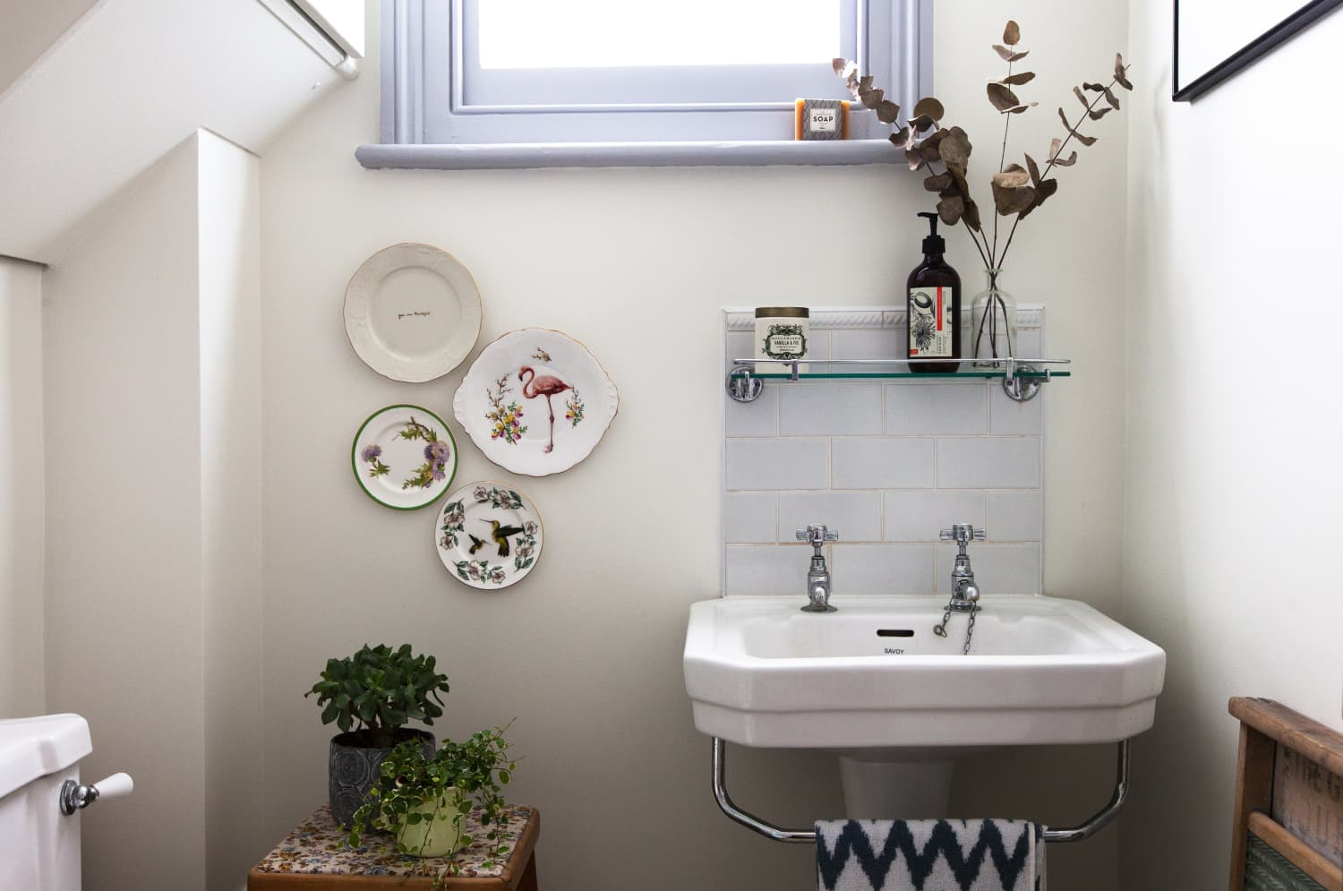 "These 7 Things Create a ""Perfect"" Bathroom, According to Real Estate Agents"