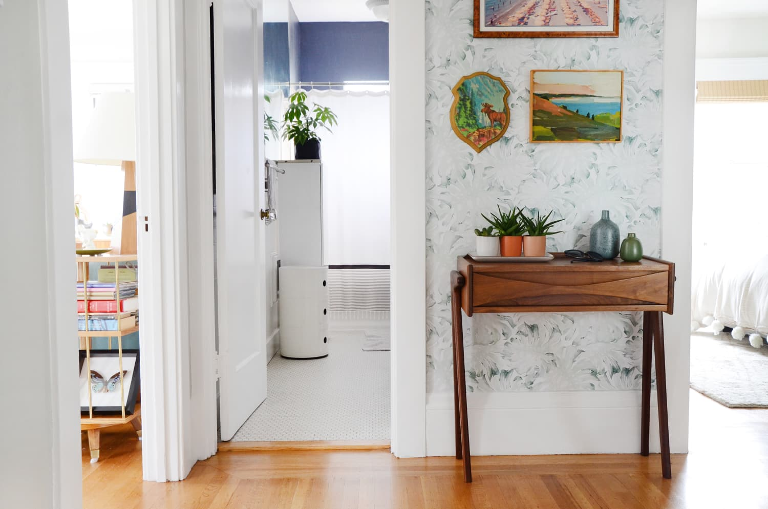 The Best Colors to Paint Your Hallways, According to Home Experts