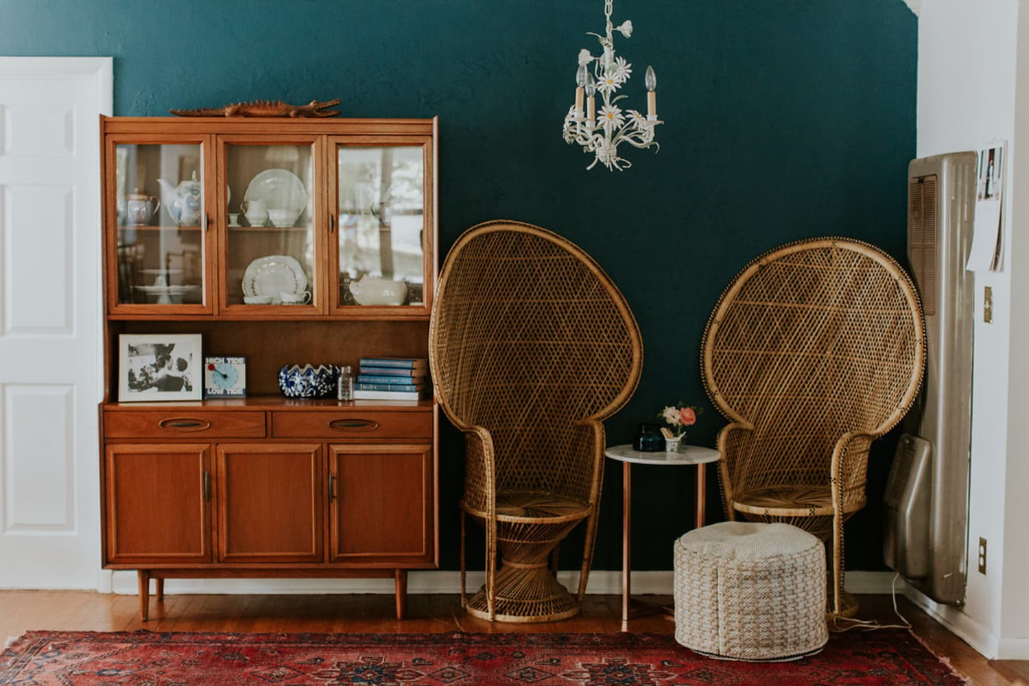 Shop For Vintage Or Refurbished Furniture On Instagram