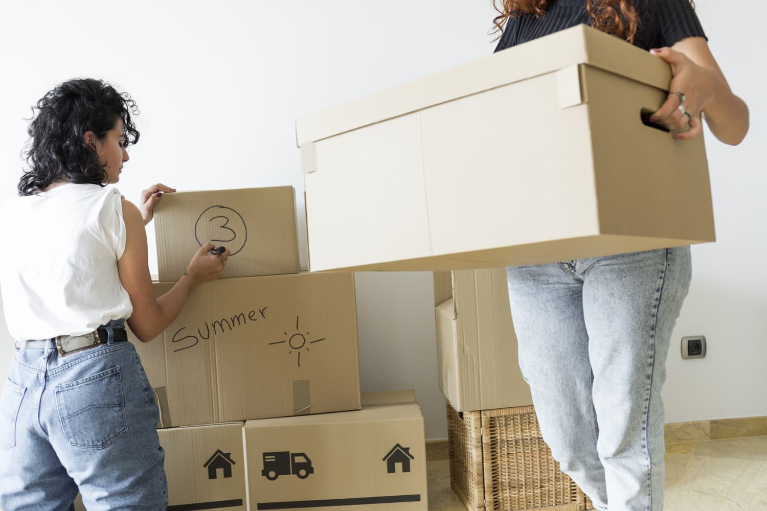 6 Expert-Approved Tips That Will Help You Downsize Before Moving