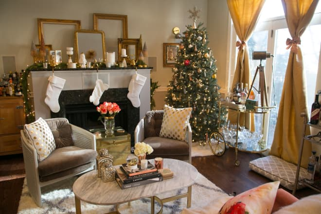 Glittering Gold Transformed This Chicago Apartment into a Holiday Wonderland
