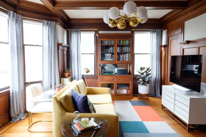 A Small San Francisco Rental Apartment Is Full of Warmth, Wood, and a Splash of Color