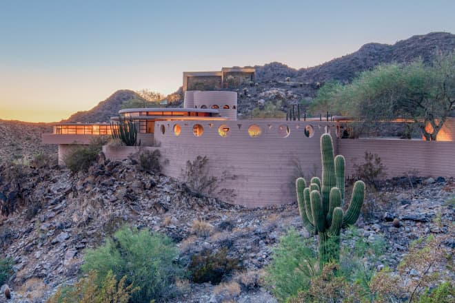 Frank Lloyd Wright's Final Home is Up for Auction