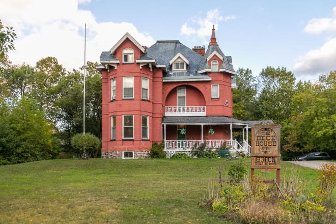You Can Stay in One of These Haunted Airbnb Rentals For Just $31