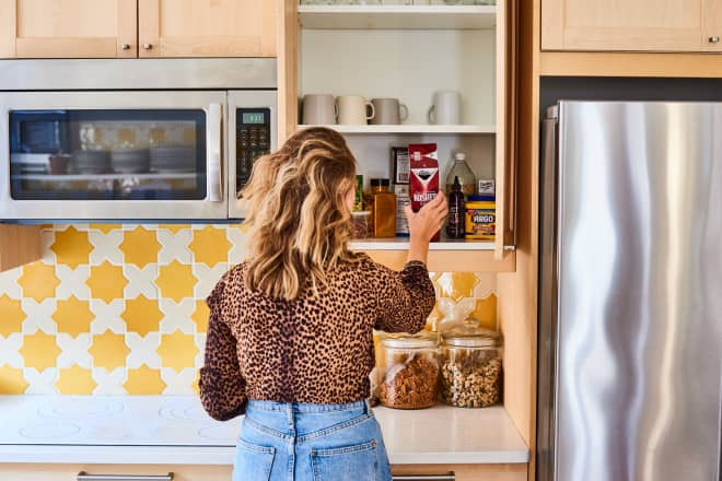 The 10 Most Essential Tips You Need If Even ONE of Your Kitchen Cabinets Is Messy