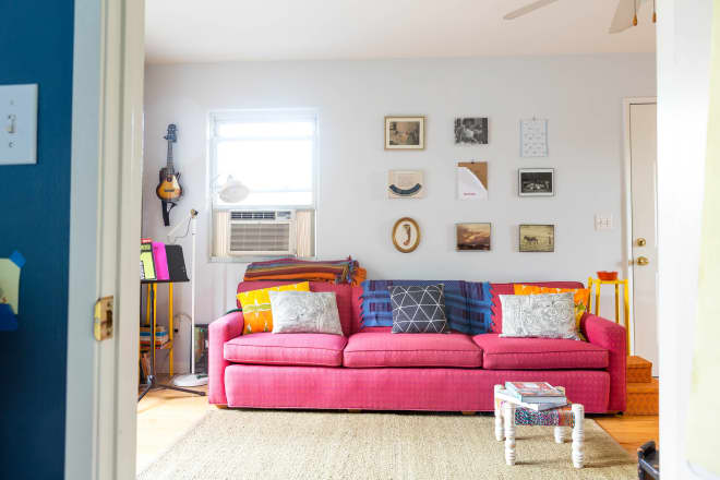6 Ways to Salvage a Living Room if Your Furniture Doesn't Go Together