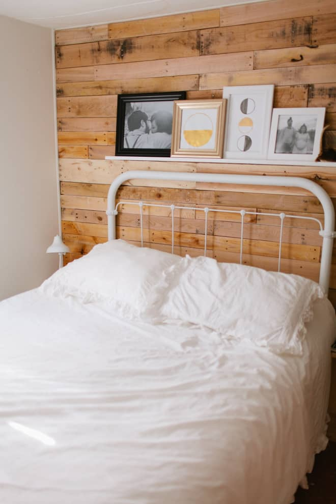 20 Rustic Bedrooms We Just Want to Curl Up in Right Now