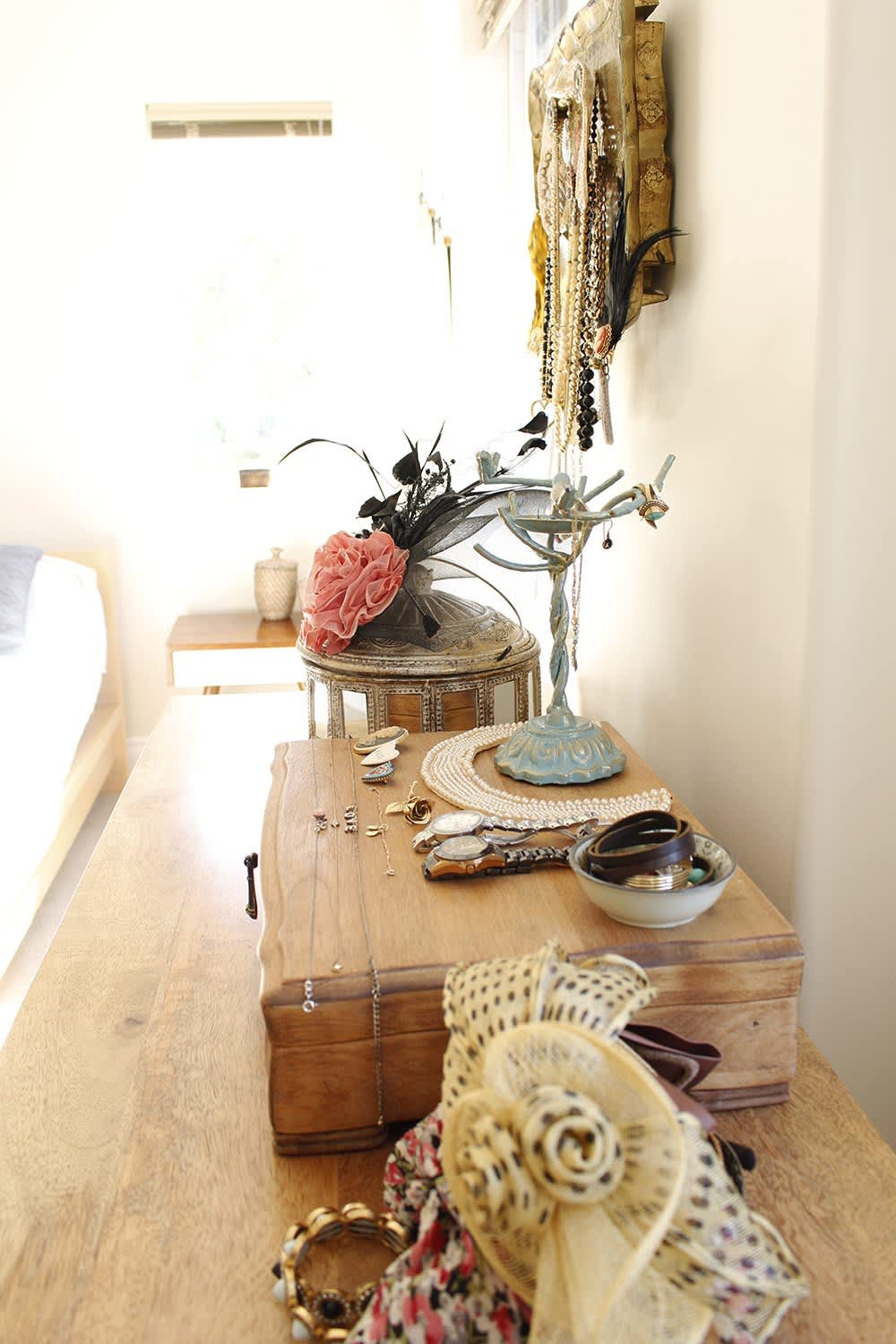 How to Style Your Dresser So You Can Actually Still Use It; #DresserStyle #RoomDecor